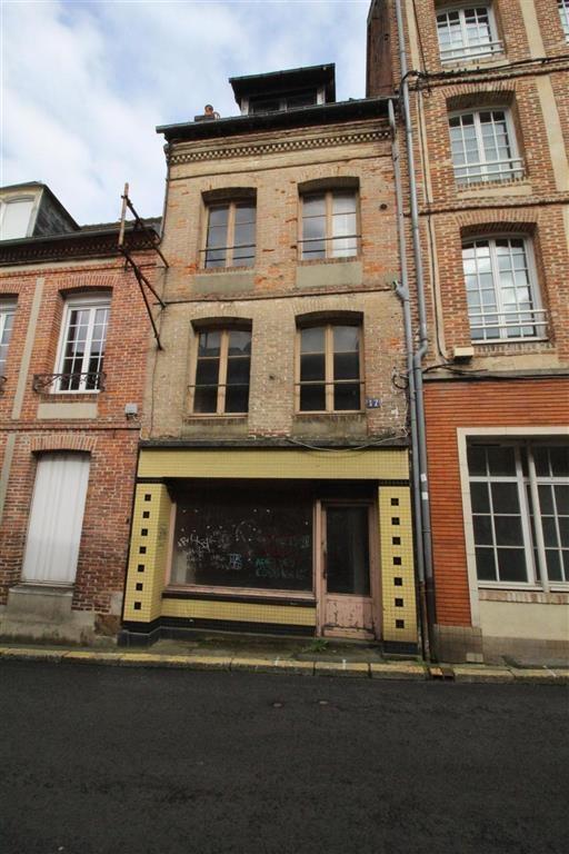 IMMEUBLE DE RAPPORT 4 pièce(s) en Ville