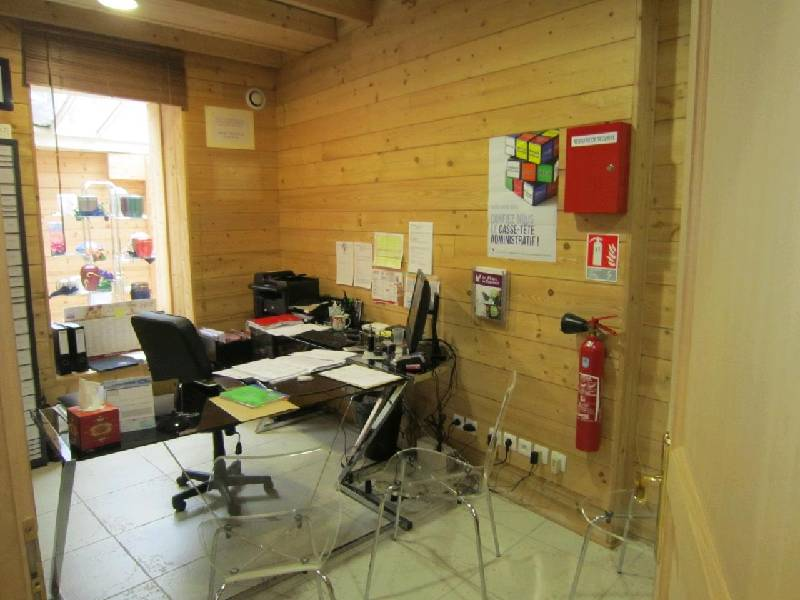 VENTE - VENDS MURS OCCUPES - GISORS - 27140