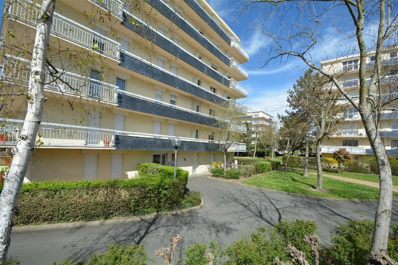 APPARTEMENT 1 pi�ce(s) ANGERS