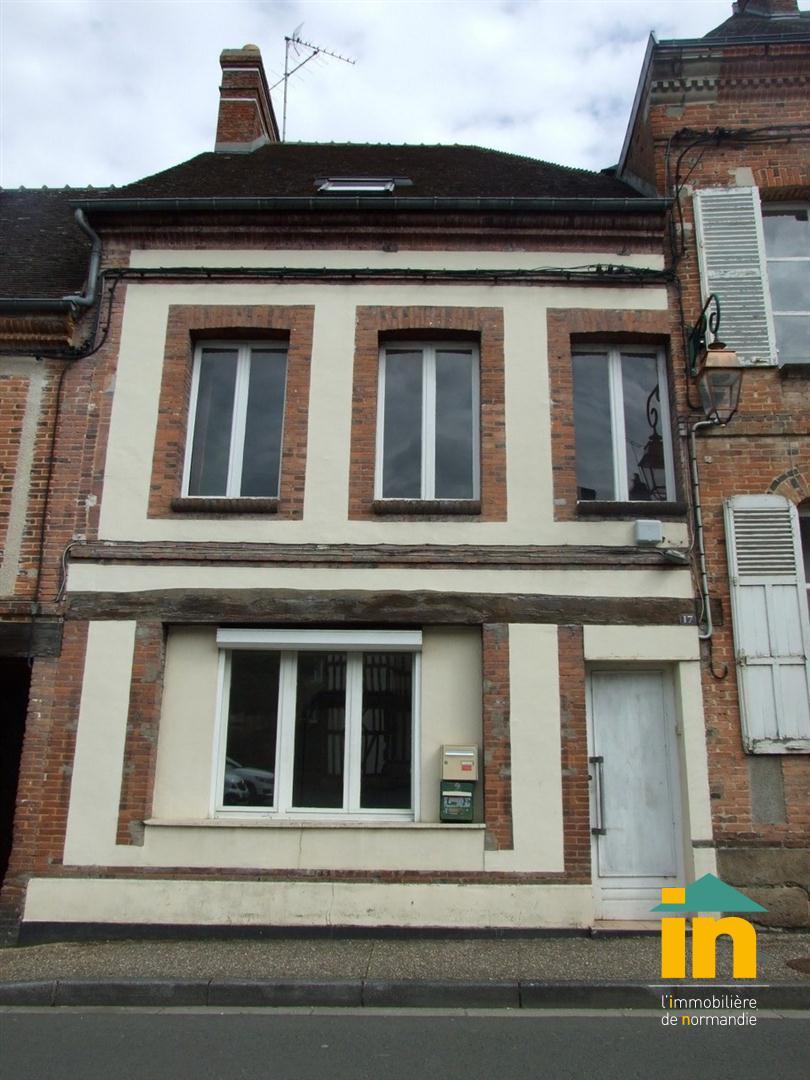 BIEN LOCATIF/INVESTISSEMENT 6 pièce(s) Centre ville RUGLES